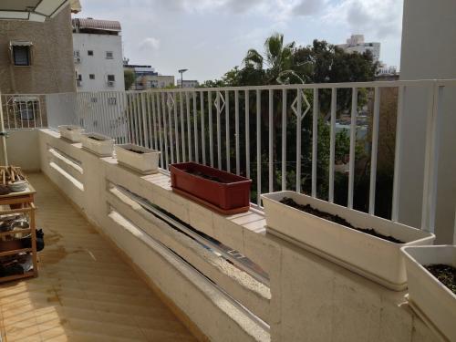 הגבהת מעקה מרפסת: תמונה מס' 187 קטגוריה:C