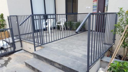 גדר ושער: תמונה מס' 194