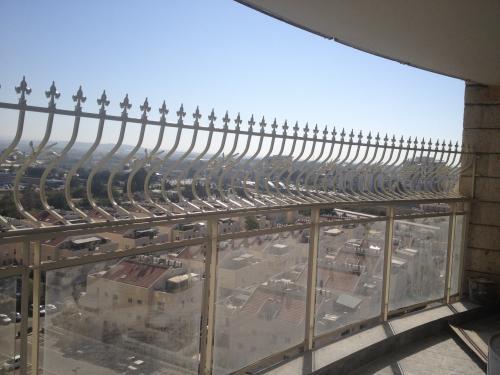 הגבהת מעקה מרפסת: תמונה מס' 202 קטגוריה:D