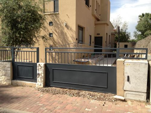 שערים וגדרות: תמונה מס' 118