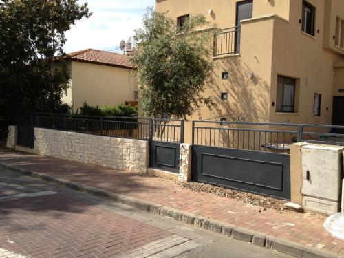 שערים וגדרות: תמונה מס' 119
