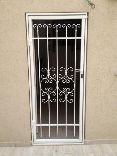 דלת סורג מעוצב תמונה מס' 46 קטגוריה:D