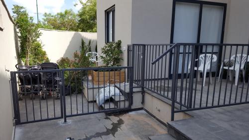 גדר ושער: תמונה מס' 193