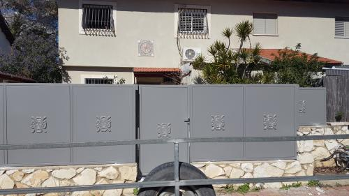גדר ושער פח: תמונה מס' 215