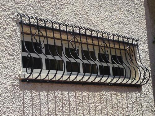 סורג מעוצב לחלון: תמונה מס' 384 קטגוריה:D